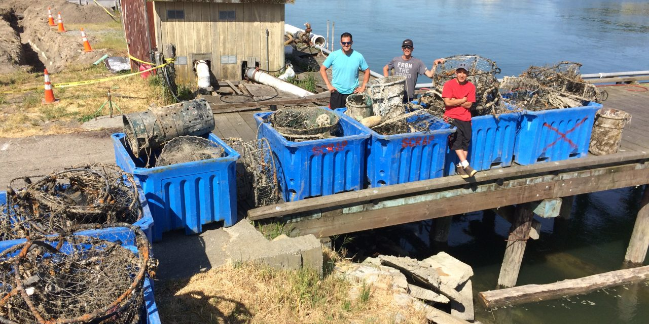 Swinomish Divers Retrieve Marine Debris